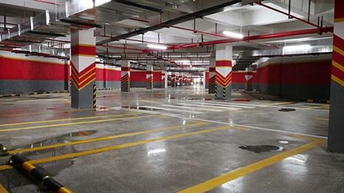珠海御景购物中心和地下车库固化地坪顺利完工